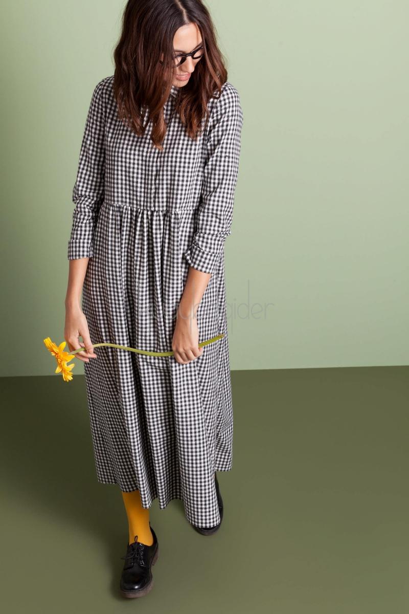 siyah-beyaz-histerik-elbise